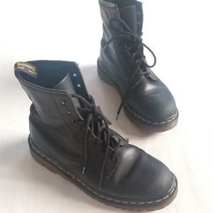 Doc Martens • England made black lace-up boots